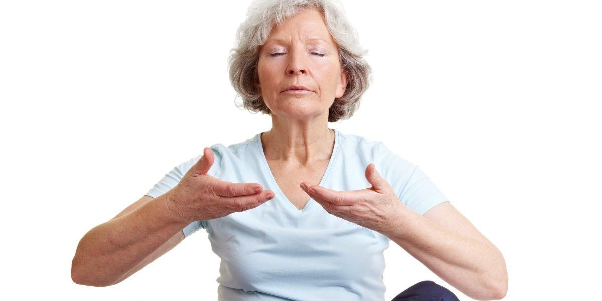 Keine Linderung von Rückenschmerzen bei Senioren durch Qi Gong und Yoga