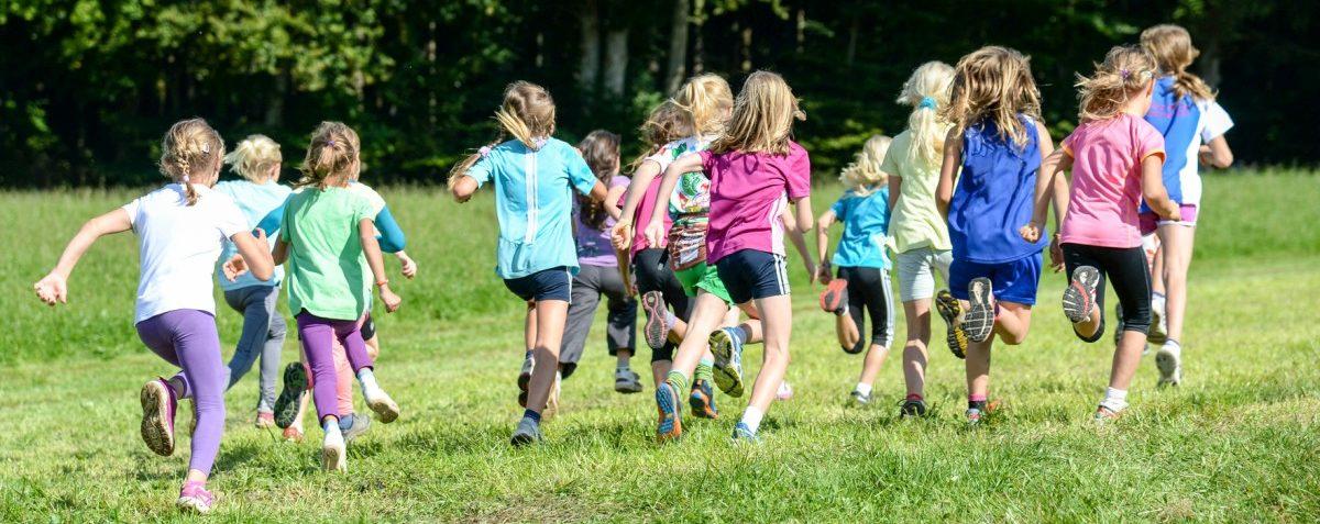 Gesundheit und Ökonomie – Warum wir körperliche Aktivität bei  Kindern fördern sollten