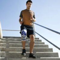 Knieorthese SofTec Genu stabilisiert und aktiviert die Muskulatur