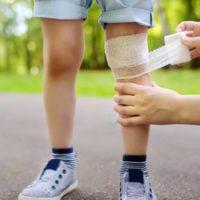 Sekundärprävention im Schulsport – Erfüllen die Erste-Hilfe-Kenntnisse von Sportlehrern die Anforderungen bei Notfällen im Unterricht?