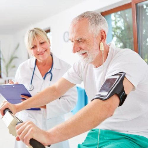 Leitliniengerechtes Training bei Herzinsuffizienz in der Phase III Rehabilitation – Diskrepanz zwischen Evidenz und Praxis
