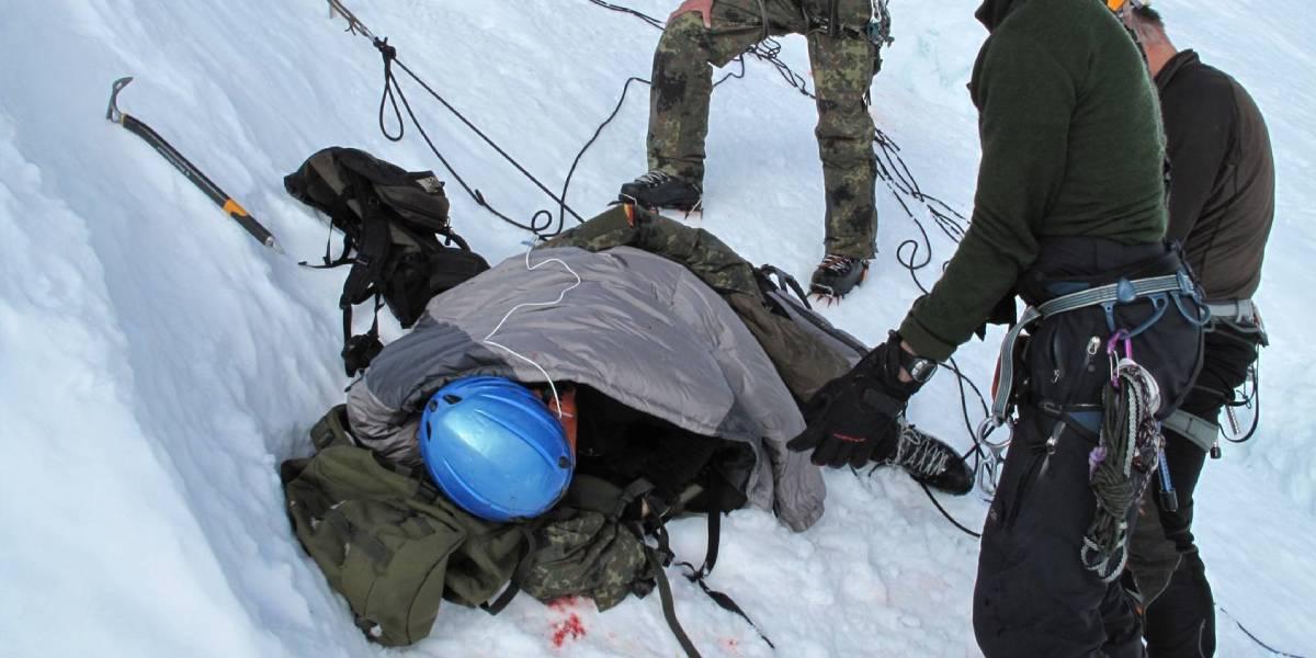 Erste Hilfe und Rettung eines Schwerverletzten in 5.700 m Höhe