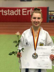 Lena Mikulic, deutsche U21 Vizemeisterin in Karate